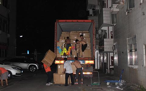 出口巴基斯坦的交通信号灯装货柜4.jpg