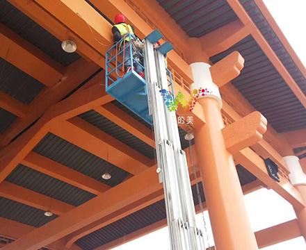 桂林收费站红叉绿箭的安装2.jpg