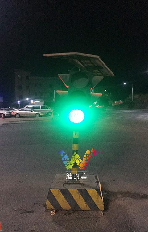 龙华临时红绿灯使用3年2.jpg