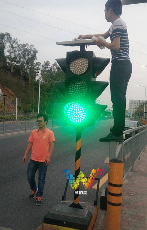 松岗移动红绿灯的调试6.jpg