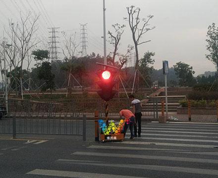 松岗移动红绿灯的调试441.jpg